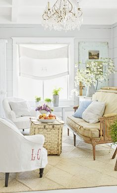 32 Charming Neutral Farmhouse Living Room Decor Ideas - Your living room should be decorated in your own personal style, not that of a decorator. The living room is usually the first room that your guests s. Living Room Themes, Living Room Styles, Cozy Living Rooms, Living Room Designs, Cottage Style Living Room, Living Room Decor Country, Barn Living, Warm Dining Room, Family Room Design