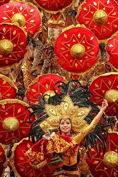 Sinulog Santo Nino Festival in Cebu City, Philippines - parades, costumes and colours commemorate the conversion from Paganism to Christianity Philippines Vacation, Les Philippines, Philippines Culture, Sinulog Festival, Masskara Festival, Filipino Culture, Festival Costumes, Festival Outfits, Cebu City