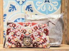Vuelve la esencia de la cultura azteca, ¡exotismo en estado puro! #moda #fashion #trendy #estilo #etnico #bohemio #lookoftheday #summer #inspiration #colorfull #shop #musthave #shopping #barcelona #imprescindibles #bolsos #glitter