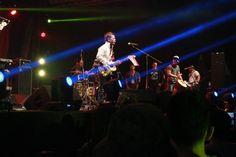 Bawakan Lagu Indonesia Pusaka Tony Q Ajak Penonton Jakarta Peace Concert 2017 Karaoke Berjamaah : Okezone Celebrity | Baca selengkapnya di website: liputanbaru.com