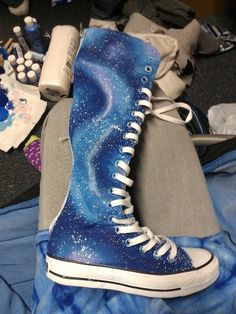 2013 Chic galaxy knee high converse sneaker boots, galaxy print converse sneakers, galaxy print boots I want these converse more than any thing other than more converse Knee High Converse, Knee High Sneakers, Converse Boots, Sneakers Mode, Converse All Star, Sneakers Fashion, Cute Shoes, Me Too Shoes, Galaxy Shoes