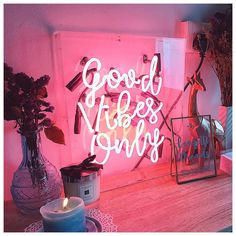 Good Vibes Only neon sign via @helloconfettidreams