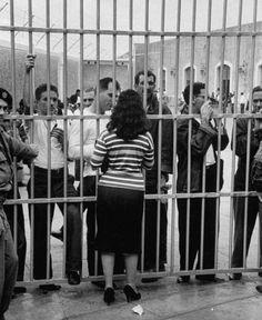 A Cuba que o THC, Lula, Zé Dirceu, Beto(ex-frei), Chico butico, fingem desconhecer... #CubaArchivo En espera de la condena por fusilamiento, La Cabaña, dirigida por Ernesto Guevara #Cuba
