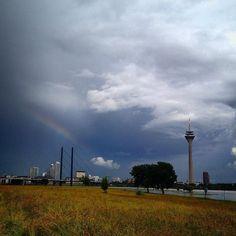 Regenwolken sind trotzallem richtig schön :-) #duesseldorf #bilk #urban