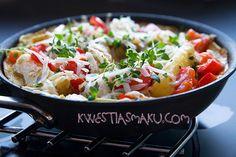 Frittata z ziemniakami i papryką z tartym serem i świeżym tymiankiem