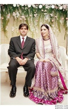 Google Image Result for http://www.paklinks.com/gsmedia/files/somegroovychick/gorgeous_gharara.jpg