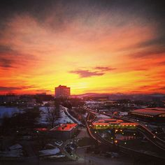 @just_chillen_'s awesome shot of last night's sunset #wvu #sunset #connectwvu