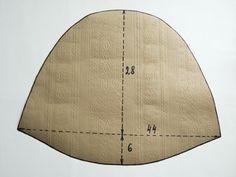 Для мокрого валяния из шерсти понадобится выкройка шапочки, увеличенная на среднюю величину усадки 40%