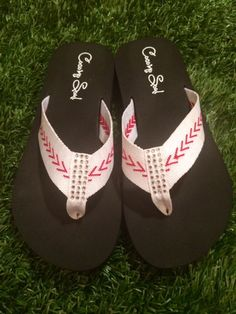 Baseball is a great sport that is played by all types of people play. baseball is something that all can enjoy Baseball Jewelry, Baseball Shoes, Baseball Mom, Baseball Season, Baseball Clothes, Baseball Caps, Baseball Gear, Baseball Equipment, Baseball Stuff