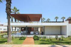 Contemporary Casa P12 In Cañete, Peru