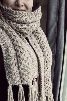 Neulottu kaulahuivi Kaulahuivi ohje Neulonta ohje DIY Iso kaulahuivi Winter Iso, Diy Clothes, Diy And Crafts, Knit Crochet, Knitting, Crocheting, Fashion, Diy Clothing, Crochet