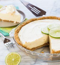 Easy Key Lime Pie Recipe ~ http://www.garnishwithlemon.com