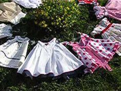 Insotiti de anotimpurile lui VIVALDI si purtand hainutele JOHNNYPROD de la JOHNNYPRODCOMIMPEX SRL viata poate fi mai frumoasa. Picnic Blanket, Outdoor Blanket, Mai, Kids Outfits, Spring Summer, Costume, Children, Clothes, Young Children