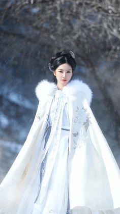 Chinese Clothing Traditional, Traditional Fashion, Traditional Dresses, Style Oriental, Oriental Fashion, Asian Fashion, Hanfu, Mode Kimono, Fantasy Dress