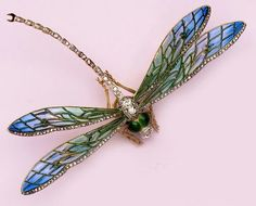 I am just amazed and awed again & again at the beautiful artistry of dragonflies. - Art Nouveau, Revival, & Arts and Crafts Jewelry at Nelson Rarities, Inc. Dragonfly Jewelry, Dragonfly Art, Insect Jewelry, Enamel Jewelry, Antique Jewelry, Vintage Jewelry, Jewelry Crafts, Jewelry Art, Jewelry Design