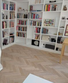 Pale oak parquet wood flooring makes the light bounce around the room creating a light, calm atmosphere. We fitted this floor in a classic herringbone design Oak Parquet Flooring, Stone Flooring, Vinyl Flooring, Hardwood Floors, Wooden Flooring, Light Oak Floors, Light Wood Flooring, Wooden Floors Living Room, Stairs Cladding