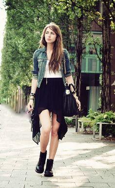 Jupe + chaussures + veste jeans