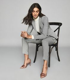 Business Professional Outfits, Business Outfits Women, Professional Dresses, Business Suits For Women, Business Formal Women, Suit Fashion, Fashion Outfits, Lawyer Fashion, Office Fashion