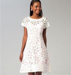 Patron de robes et dessous de robe - McCall's 6883