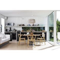 @teneues Living in Style Scandinavia tafelboek laat je een kijkje nemen in het prachtige interieur van Scandinavische #interieur #style #stijl #tafelboek #fotoboek #foto #boek #Scandinavië #living #design #Flinders