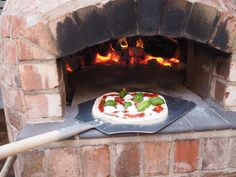 Read my step by step guide on how we installed a wood fired pizza oven in our garden and how you can get one in yours too. And seriously, they make the MOST delicious pizza! Oven Diy, Diy Pizza Oven, Pizza Oven Outdoor, Pizza Bake, Outdoor Cooking, Pizza Ovens, Outdoor Kitchens, Bread Pizza, Outdoor Pool