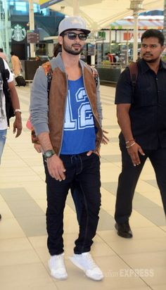 Shahid Kapoor at the Mumbai airport. #Bollywood #Fashion #Style #Handsome