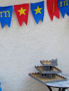 Castle Cupcake stand out of cardboard