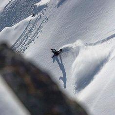 Final turn!!!! By: @tuckerpatton #FUELOPTICS #snowboarding #TGIF #Friday #snowboarder #snowgoggles #snowboardgoggles #skiing #halfpipe #skigoggles #snowboardgoggles #snowboard #snowmobile #snow #snowsports #tahoe #snowman #superpipe #mountain #instasnow #freeski #freeskiing #springskiing #skitouring #winter #skimountaineering #ski #snowski #snowboarden #adrenaline #wintertime