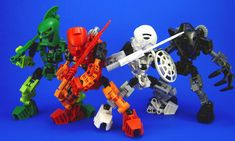 Four of the Toa from the you product line Bionicle. To bad my toys went this multi-jointed when I was little. Lego Mecha, Lego Bionicle, Bionicle Heroes, Lego Design, Lego Super Mario, Lego Dragon, Bio Art, Hero Factory, Lego Blocks