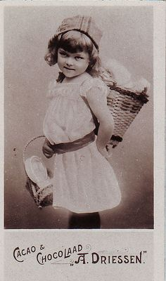 CACAO DRIESSEN - GIRL CARRYING WICKER BASKET ON HER BACK | Flickr - Photo Sharing!
