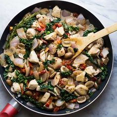 30 Minute Tuscan Chicken Skillet Get the full recipe here Really nice recipes. Every hour. Healthy Chicken Recipes, Paleo Recipes, Cooking Recipes, Tasty Meals, Healthy Dinners, Clean Recipes, Cooking Time, Clean Eating Recipes For Dinner, Dinner Recipes