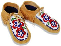 Judy Kavanagh's Woodland Moccasins Green Wool, Black Wool, Native American Moccasins, Native Design, Deer Skin, Polar Fleece, The Vamps, Mink Fur, Beaded Flowers