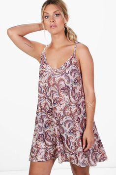 b35212e048f3 boohoo Plus Emma Paisley Strappy Swing Dress
