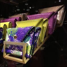 Henri Bendel Coin Purse Cascade – Fixtures Close Up Purse Display, Displays, Mobile Boutique, Craft Markets, Henri Bendel, Visual Merchandising, Deco, Coin Purse, Purses
