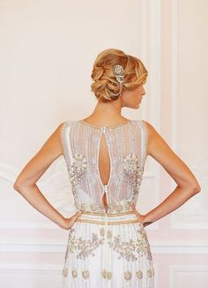 Art deco weddings are a super hot trend right now, and many couples choose this theme. If you are among them and looking for some ideas, today's roundup ...
