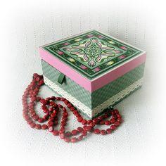 Шкатулка для украшений / Casket for jewelry