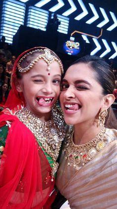 #DeepikaPadukone Deepika Ranveer, Deepika Padukone Style, Bollywood Stars, Bollywood Fashion, Bollywood Celebrities, Bollywood Actress, Star Fashion, Fashion Beauty, Deeps