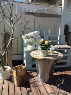 diy- Sidebord | Liseglise.no Plants, Diy, Bricolage, Do It Yourself, Plant, Homemade, Diys, Planets, Crafting
