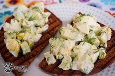 ...Pomysłowe i pyszne śniadania!: Pasta z awokado i jajka