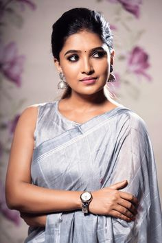 Vani Bhojan is an Indian Television Actress and Former Fashion Model. She has acted in few advertisements and later appeared in TV Serials. Aahaa is the de Indian Actress Photos, Actress Pics, Beautiful Indian Actress, Beautiful Actresses, Indian Actresses, Sonam Kapoor, Deepika Padukone, Beauty Full Girl, Beauty Women