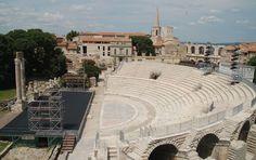 Le Théâtre Antique  http://www.arlestourisme.com/patrimoine_mondial.html