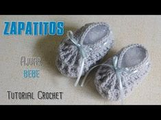 Sweater for Boy 0 - 3 months Shawl Triangular Crochet part 1 of 2 Reinforced braid knitted with two easy needles Reversible point two easy hands Band for Cro. Crochet Baby Sandals, Crochet Shoes, Crochet Clothes, Baby Boots, Baby Girl Shoes, Baby Chucks, American Girl Crochet, Baby Slippers, Crochet Videos