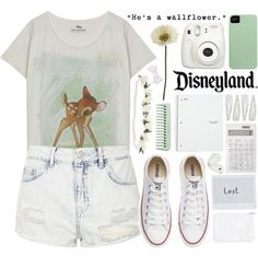 A fashion look from October 2015 featuring Paul & Joe Sister t-shirts, Topshop shorts and Converse sneakers. Browse and shop related looks.