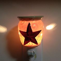Scentsys Rustic Star Nightlight Mini Warmer Has An Embossed Barn Red