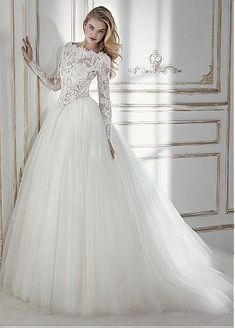 Chic Tulle & Lace Bateau Neckline See-through Bodice A-line Wedding Dress With Lace Appliques