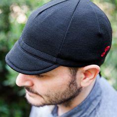 CLAIRE/'S NEW YORK NY LOGO STUDDED BLACK SNAPBACK HAT CAP SIZE ADJUSTABLE NWT!