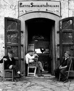 Italian village scene, 1956 (Gente del Sud)  //  by Nino Migliori