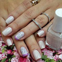 Instagram media by lucinhabarteli - @talissabino #manicure #nailsdone #nailsoftheweek#nailartcult #unhas#instanails#essie#unhas#lucinhabarteli