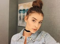 "(Kalani hilliker ) ""hi I'm Kalani I'm 16 and single I dance and model"""