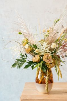 Floral Encyclopedia with Moon Canyon: Fall Meadow Florals – Rip & Tan Meadow Flowers, Fall Flowers, Fresh Flowers, Colorful Flowers, Fall Floral Arrangements, Wedding Arrangements, Table Arrangements, Autumn Display, Fall Displays